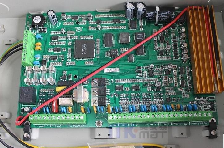 FC-7448大型报警主机系统是美安科技公司非常成熟稳定的产品,并具有很强的使用性。被广泛地应用在小区住家及周界报警系统、大楼安保系统、以及工厂、学校、仓储等各类大型安保系统。可实现计算机管理,并方便地与其它系统集成。 FC-74系列总线探头是中外合资美安科技专为FC-7448、FC-7458开发的超低功耗探头,红外探头的功耗小于100A,双鉴探头的功耗小于200 A,四鉴探头的功耗小于300 A(不含加热系统,可直接利用总提供的电源无须另外布线,最大程度减少工程安装成本)。FC-7448、FC-7